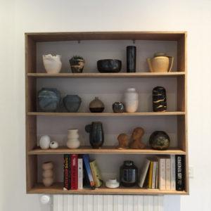 Etagère menuiserie et céramiques vases et sculptures Zaichik-DIY
